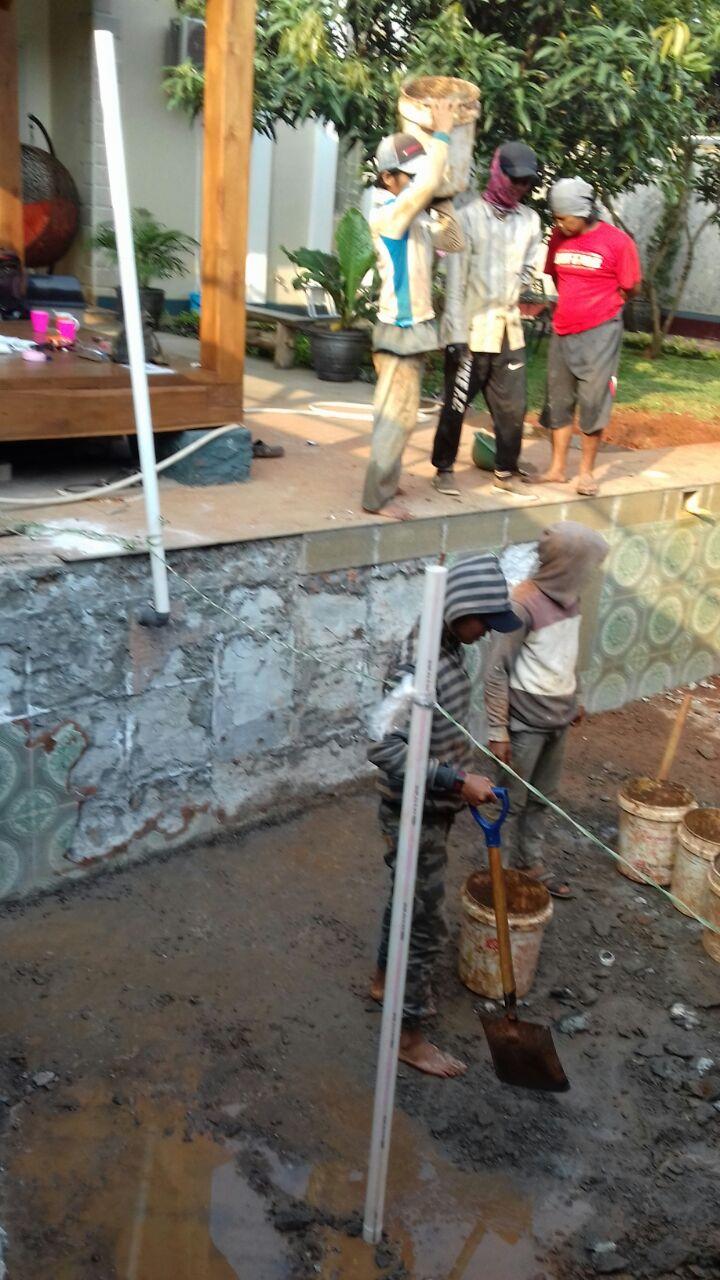 Pembangunan kolam renang