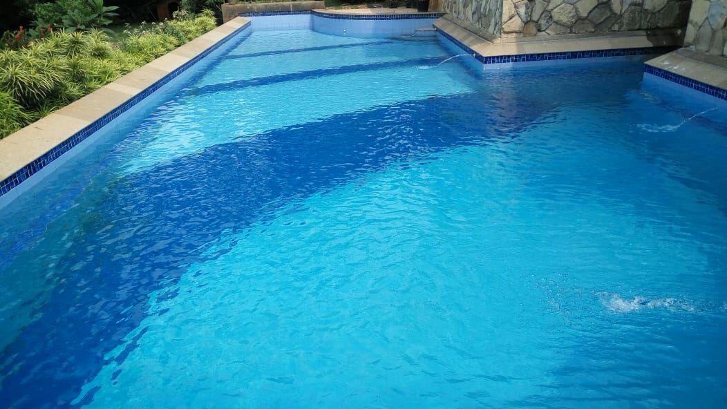 gambar kolam renang terawat